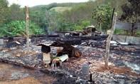Cháy nhà khi cha mẹ đi làm, 2 con nhỏ thương vong