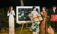 Hoa hậu Đại dương 2017 phủ nhận mua áo dài 700 triệu rồi 'lật kèo'