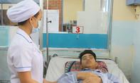 Thanh niên 20 tuổi liên tục ói ra máu, suýt mất mạng do mắc sốt xuất huyết