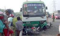Xe buýt mất thắng tông 6 xe máy, 1 ô tô ở cầu Bình Điền