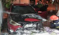 Hyundai i20 bốc cháy lúc rạng sáng