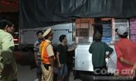 CLIP: CSGT bắt xe tải chở gần 3 tấn trái cây Trung Quốc