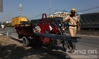Người vi phạm giao thông phân trần khi bị CSGT tuýt còi