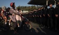 Cảnh sát Thái Lan triển khai lực lượng hùng hậu bắt nhà sư bị cáo buộc rửa tiền
