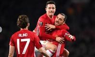 'Quỷ đỏ' đại thắng với hat-trick của Ibra