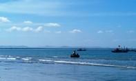 Đi vệ sinh, một ngư dân rơi xuống biển tử vong