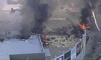 Máy bay rơi xuống trung tâm thương mại ở Australia