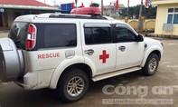'Biến' xe cứu thương thành xe chở cán bộ bệnh viện đi họp