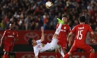 Thể thao tuần qua: 'Diễn hề' trên sân; Barca đại bại