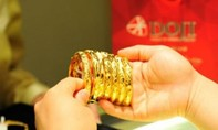 Giá vàng hôm nay 24-2: Tiền đổ dồn dập, vàng tăng vọt