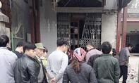 Nhà trưởng công an xã nổ tung cửa sắt nghi bị gài bom