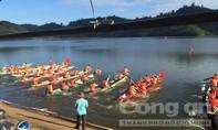 Kịch tính giải đua thuyền truyền thống tại Lâm Đồng