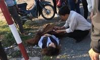 Hiện trường vụ tai nạn tàu hỏa đâm ô tô khiến 3 người bị thương