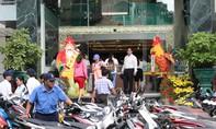 Người dân Sài Gòn đổ xô mua vàng ngày Thần Tài
