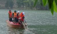 Lật thuyền trên đập thủy lợi, một người chết đuối