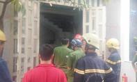 TP.HCM: Người phụ nữ chạy khỏi căn nhà 2 tầng bốc cháy