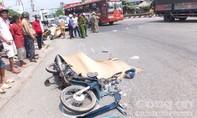 Cha tử vong, con nguy kịch sau cú va chạm với xe tải