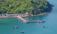 Ca nô chở 14 người ra đảo Nam Du bị chìm giữa biển