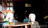 Cụ bà trong tiệm trà hơn một thế kỉ giữa lòng Sài Gòn kể giai thoại về nhà họ Hứa