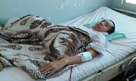 Người em cặp song sinh Việt - Đức nhập viện vì nhiễm trùng đường tiết niệu
