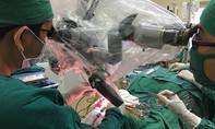 Giành lại mạng sống cho bệnh nhân phình mạch máu não