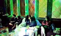 Đột kích 'đại tiệc' ma tuý mừng sinh nhật trong quán karaoke