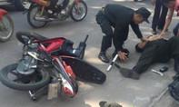 CSCĐ bị đạp ngã khi làm nhiệm vụ chống đua xe