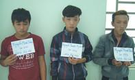 Nhóm cướp tuổi teen chích điện lấy điện thoại