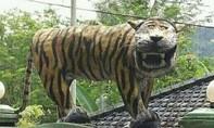 Tượng 'hổ cười' bị dẹp vì thiếu thẩm mỹ