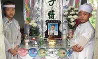 Thương tâm hai chị em có cha mẹ lần lượt tự tử