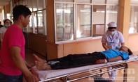 Xe khách chở học sinh gặp nạn, 19 người thương vong