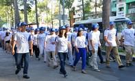 Đi bộ diễu hành chào mừng 'Ngày sức khỏe răng miệng thế giới'