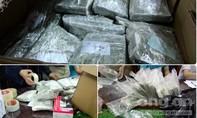 'Thưởng nóng' tổ công tác phá 2 vụ vận chuyển 130 bánh heroin