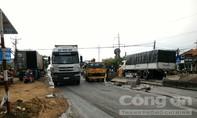 Xe container mất lái 'đại náo' Quốc lộ 1A