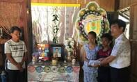 Gần 100 triệu đồng đến với hai chị em có cha mẹ lần lượt tự tử