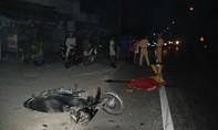 Xe mô tô tông tài xế xe tải tử vong tại chỗ