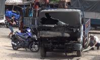 Xe tải bốc cháy lan sang 3 nhà dân ở TP.HCM