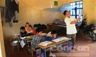 Thầy trò vùng cao cùng vượt khó trong lớp học '2 trong 1'