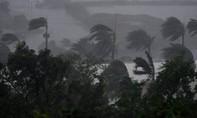 Siêu bão tiến vào, Úc khẩn cấp sơ tán dân