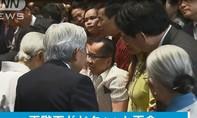 Clip: Người em trong cặp song sinh Việt-Đức được gặp Nhật hoàng