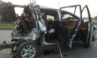 Liên tiếp xảy ra tai nạn ô tô, nhiều người thương vong