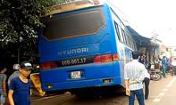 Xe khách tông quán cà phê ở Đồng Nai, 2 người trọng thương