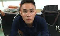 """Bắt nóng gã """"trai bao"""" giết người đồng tính giữa Sài Gòn"""