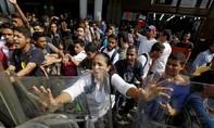 Vấp chỉ trích, chính quyền Venezuela giục Tòa án Tối cao xem lại quyết định lấn quyền Quốc hội