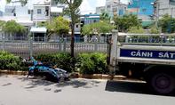 'Quái xế' đua xe chạy trốn công an lao xe lên vỉa hè