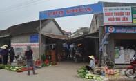 Dân làng đuổi bắt người phụ nữ nghi thôi miên lừa tiền