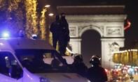 Xả súng khủng bố giữa lòng Paris khiến nhiều người thương vong