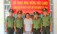 Báo Công an TP.HCM trao nhà cho gia đình chiến sĩ khó khăn
