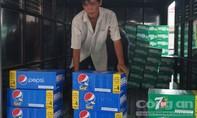 Thu giữ trên 400 thùng nước ngọt nghi nhập lậu