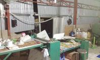 Nổ lớn tại công ty thuốc đông y, 2 nhà bị sập tường trong đêm